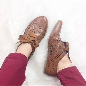 Steve Madden Lunna Oxford laser cut lace up shoes